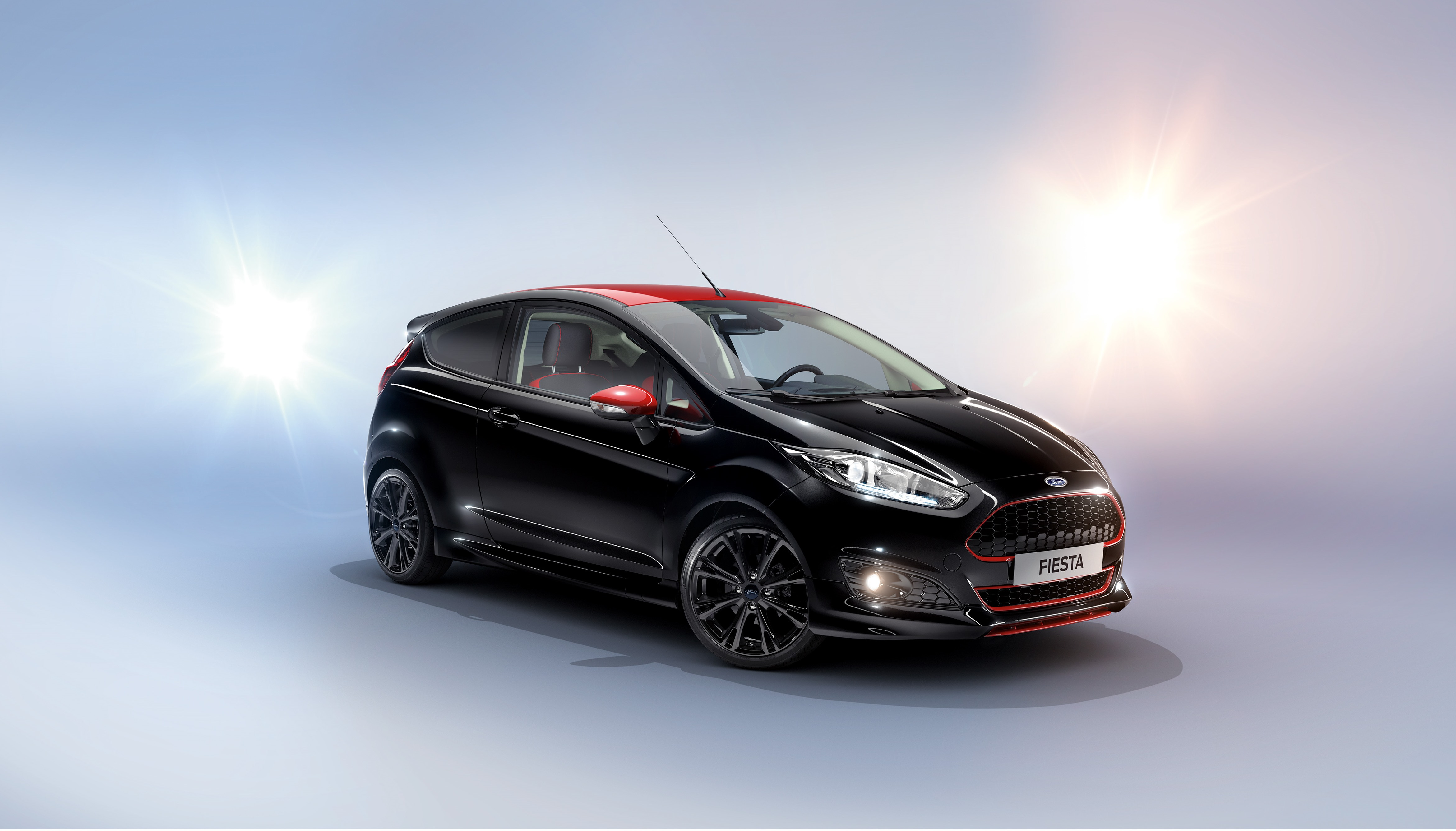 1464939517_Ford_Fiesta_Black__2_