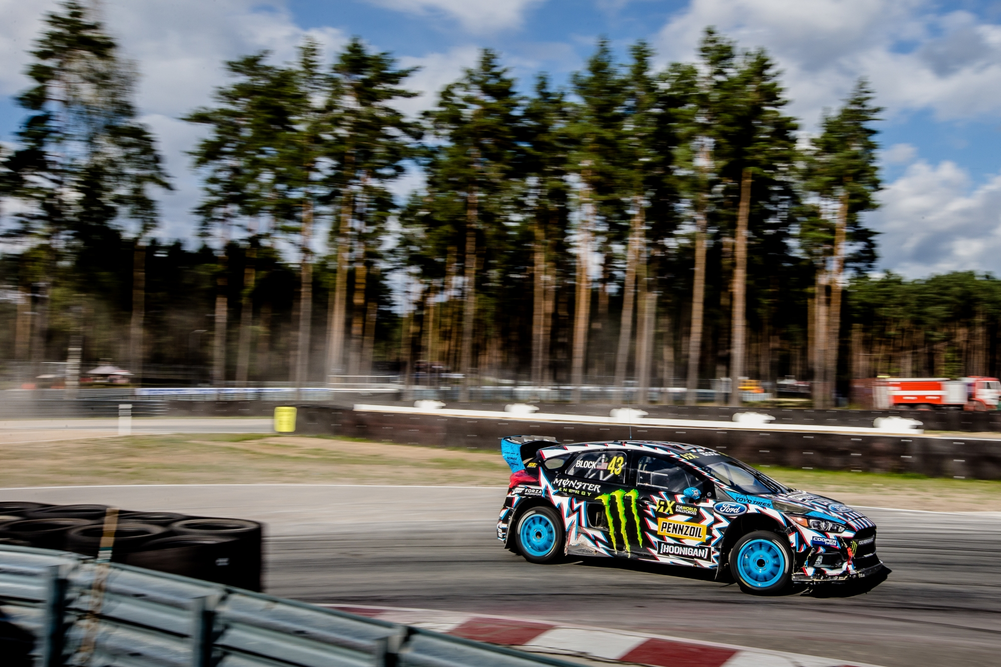 1505978551_Block_WorldRX_2017_Latvia_MCH_0068-e1505985511124.jpg